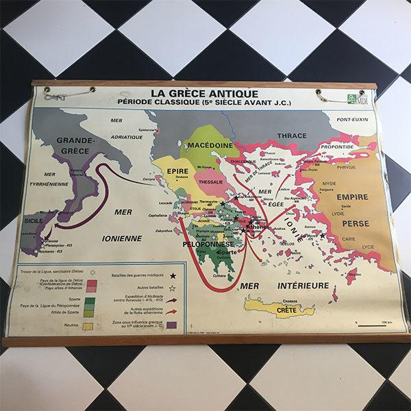 Ancienne carte géographique - la Grèce antique idéale pour apporter une touche vintage à une chambre d'enfant