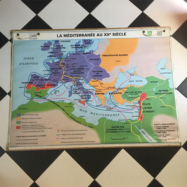 Ancienne carte géographique - La méditerranée idéale pour apporter une touche vintage à une chambre d'enfant