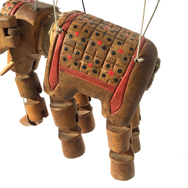 Marionette éléphant en bois articulé idéale pour une décoration ethnique d'une chambre d'enfant
